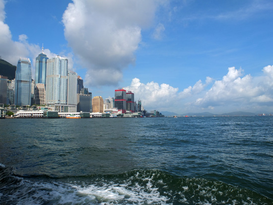 香港島への船