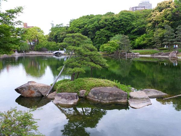 徳川園の池